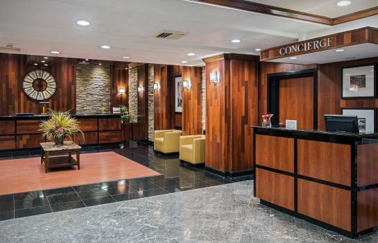 Hotelhalle Crowne Plaza NEWARK AIRPORT