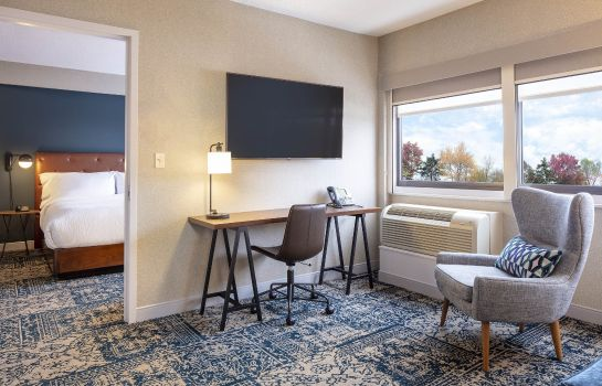 Suite Four Points by Sheraton Norwood