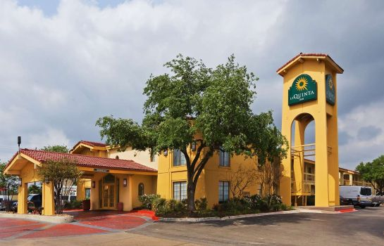 Exterior view La Quinta Inn College Station