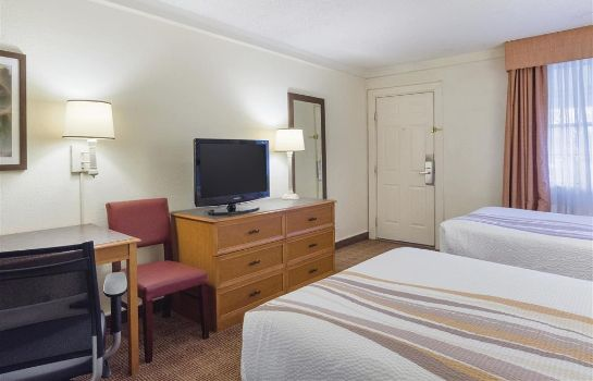 Room La Quinta Inn by Wyndham Denver Cherry Creek