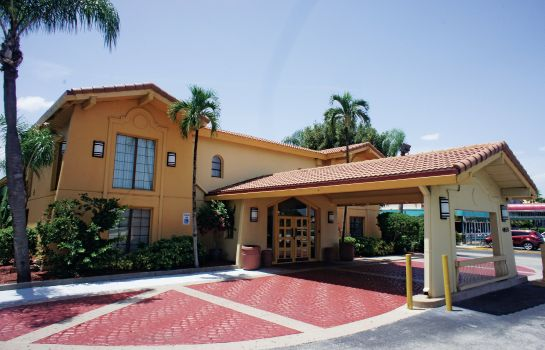 Außenansicht La Quinta Inn by Wyndham Fort Myers Central
