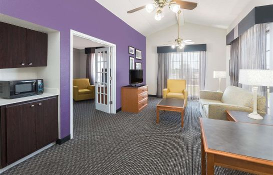 Suite Baymont by Wyndham Greenville Woodruff Rd