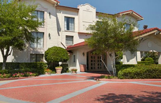 Exterior view Red Roof Suites Houston-Hobby Airport