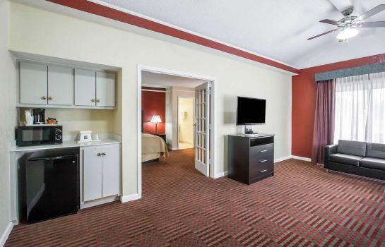 Suite Econo Lodge Memphis