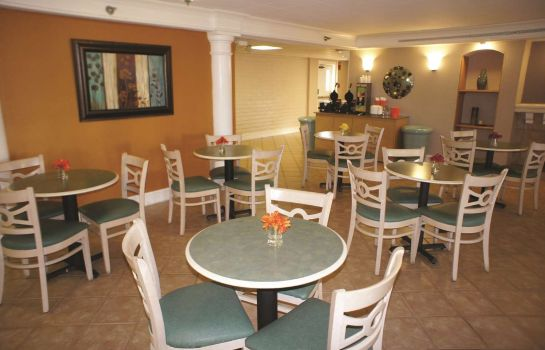 Restaurant La Quinta Inn Norfolk Virginia Beach
