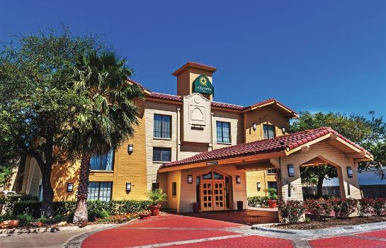 Exterior view La Quinta Inn by Wyndham Houston Cy-Fair