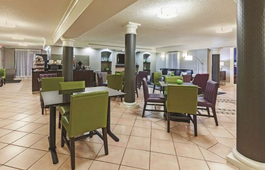 Restaurant La Quinta Inn Houston Cy Fair