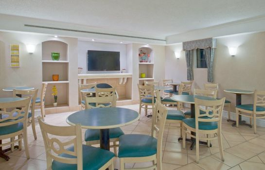 Restaurant LA QUINTA INN JACKSONVILLE AIRPORT NORTH