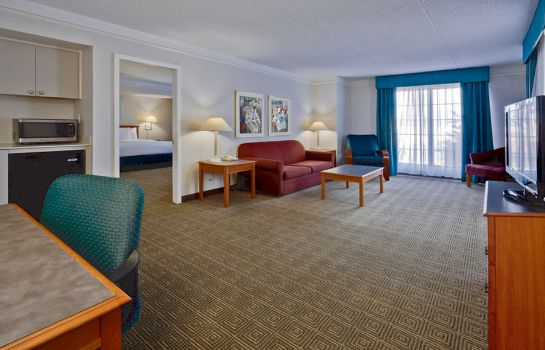 Suite LA QUINTA INN JACKSONVILLE AIRPORT NORTH