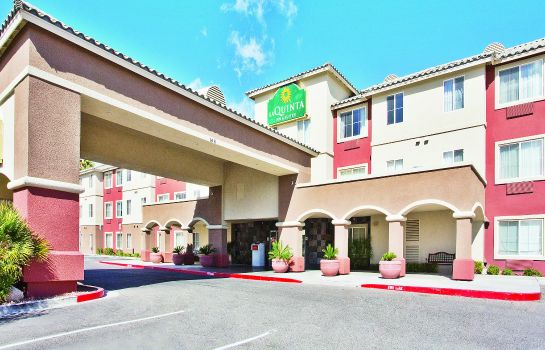 Exterior view La Quinta Inn Ste Red Rock