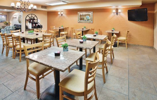 Restaurant La Quinta Inn Ste Red Rock