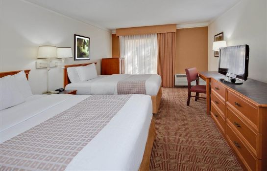 Zimmer La Quinta Inn & Suites by Wyndham Ft Lauderdale Cypress Cr