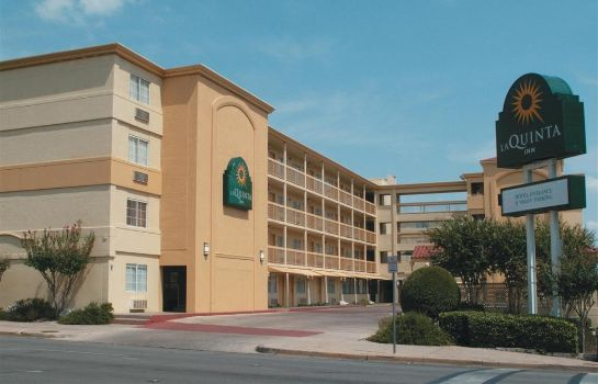 Exterior view La Quinta Inn by Wyndham Austin Capitol / Downtown La Quinta Inn by Wyndham Austin Capitol / Downtown