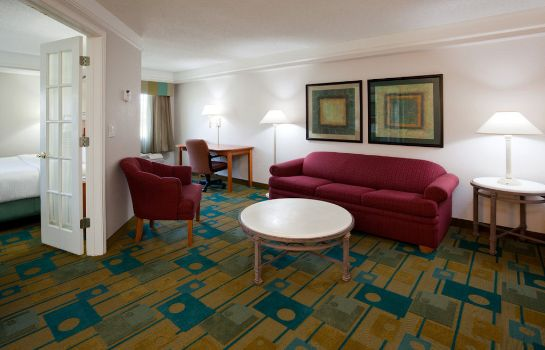 Suite La Quinta Inn Ste Austin at The Domain