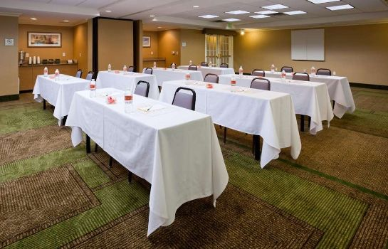 Conference room La Quinta Inn Ste Austin at The Domain