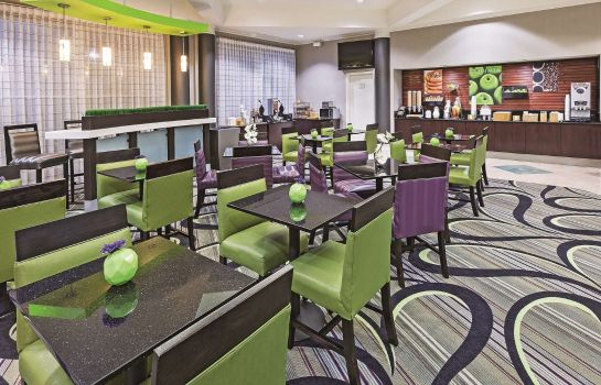 Restaurant La Quinta Inn Ste Dal Arlington South