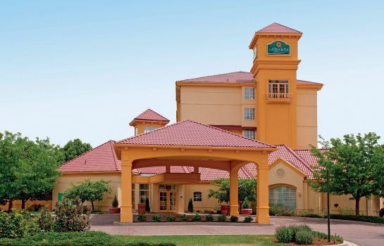 Exterior view La Quinta Inn and Suites Colorado Springs South AP