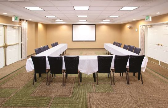 Conference room La Quinta Inn Ste COS AP South