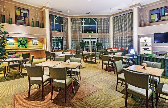 Vestíbulo del hotel La Quinta Inn Ste Houston Galleria Area