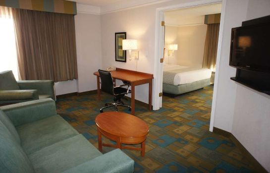 Suite La Quinta Inn Ste  Denver Airport DIA