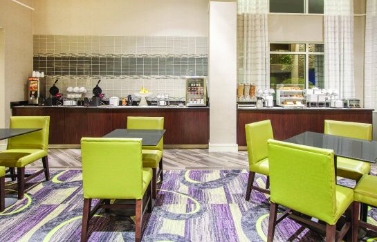 Hotelhalle La Quinta Inn and Suites Fort Worth North