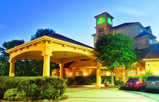 Widok zewnętrzny La Quinta Inn and Suites Charlotte Airport South