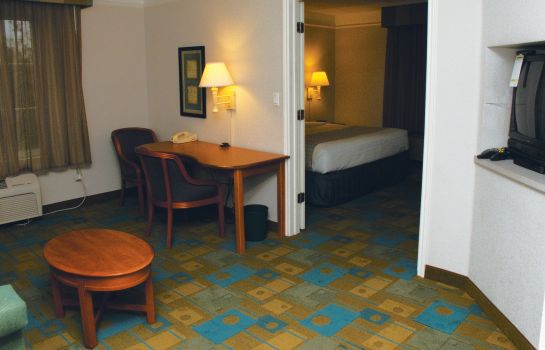 Suite LA QUINTA INN STE SOUTHWEST AT MOPAC