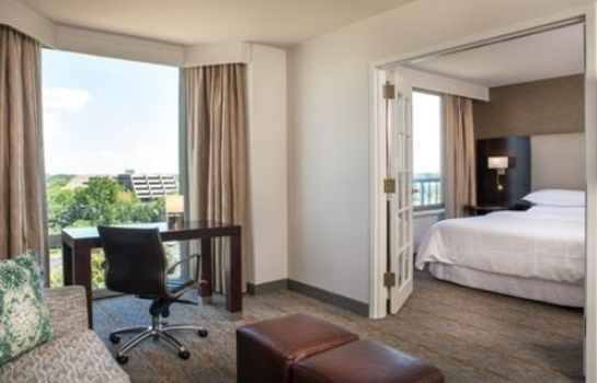 Zimmer Sheraton Suites Chicago Elk Grove