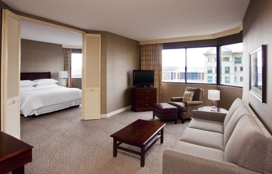 Habitación Sheraton Suites Wilmington Downtown