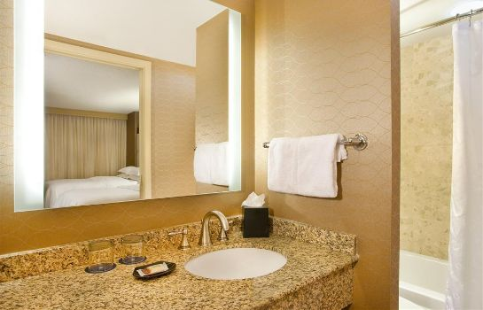 Room Sheraton Suites Country Club Plaza