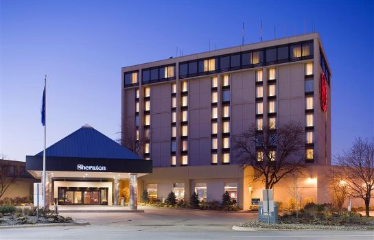 Exterior view Sheraton Cleveland Airport Hotel