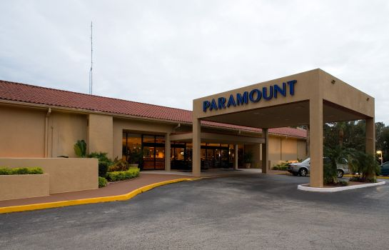 Buitenaanzicht PARAMOUNT PLAZA HOTEL AND SUITES