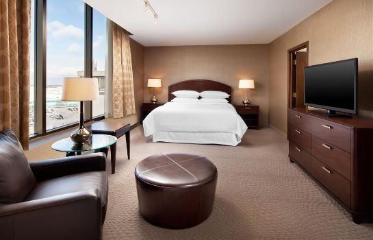 Room Sheraton Cleveland Airport Hotel