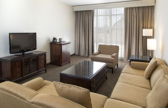 Suite DoubleTree Suites by Hilton Lexington