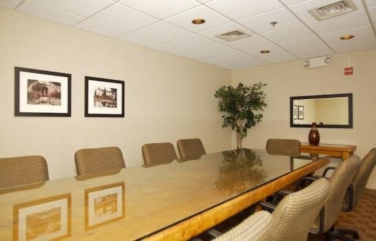 Conference room PARAMOUNT PLAZA HOTEL AND SUITES