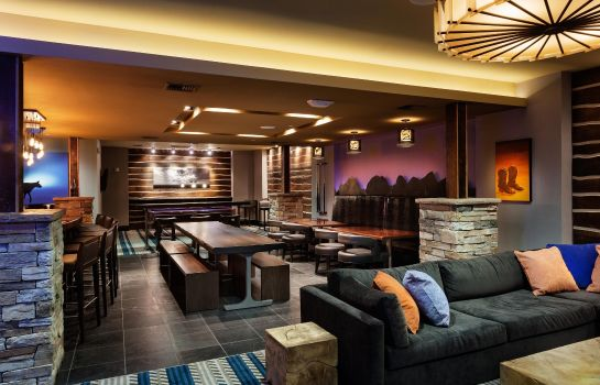 Hotel bar DoubleTree by Hilton Billings