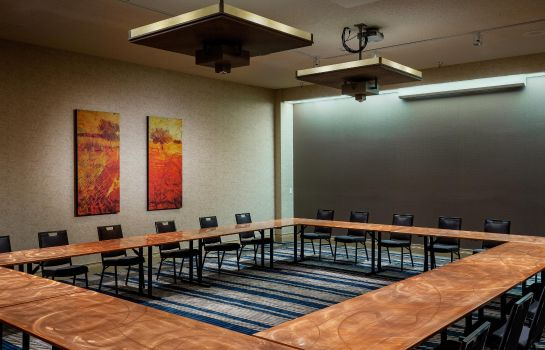Conference room DoubleTree by Hilton Billings
