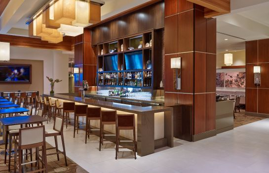 Hotel bar The Westin Crystal City
