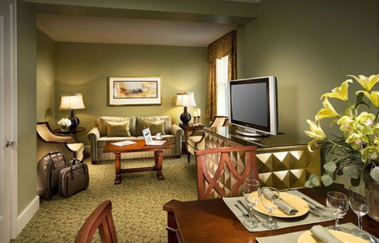 Suite FRANCIS MARION HOTEL