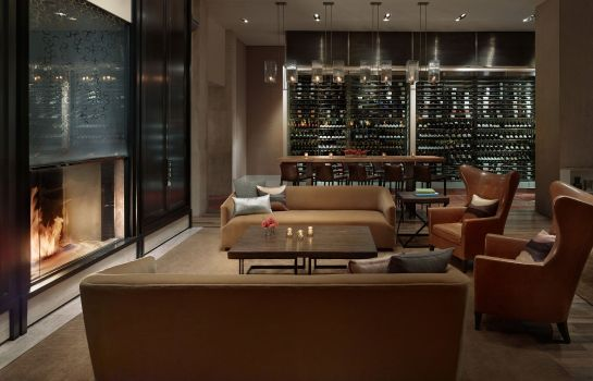 Hotel bar JW Marriott Essex House New York