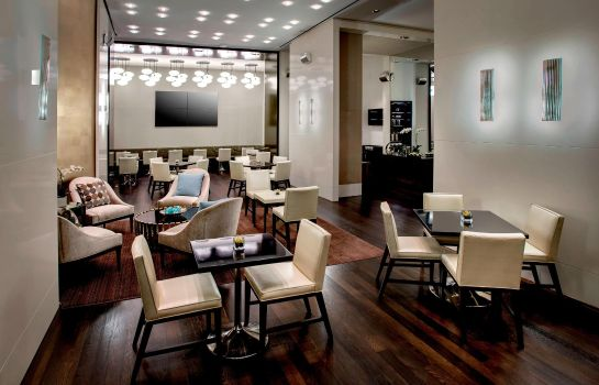 Bar del hotel JW Marriott Essex House New York