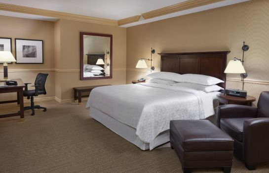 Suite Sheraton Gateway Hotel in Toronto International Airport