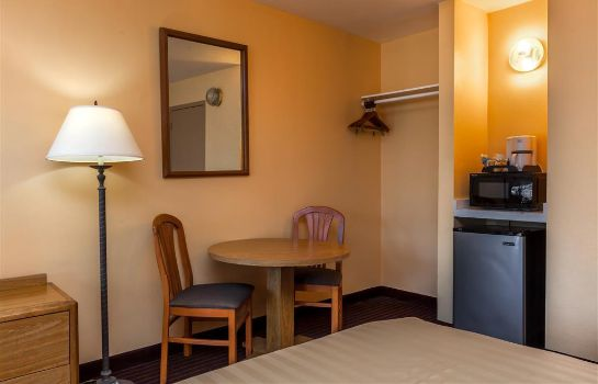 Zimmer SAN LUIS OBISPO TRAVELODGE