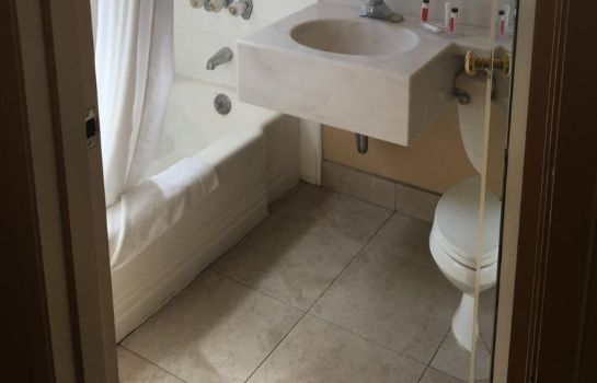 Bagno in camera Howard Johnson South Lake Tahoe