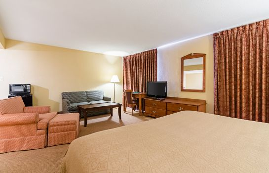 Suite Quality Inn Lawrence - University Area