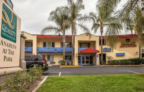 Buitenaanzicht Quality Inn and Suites Anaheim at the Pa