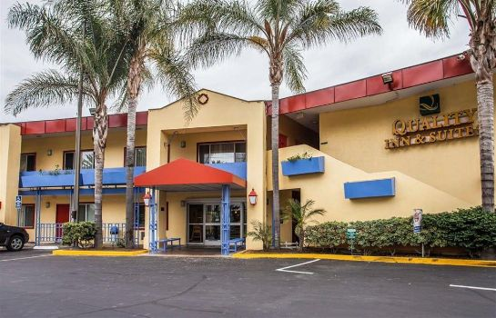 Außenansicht Quality Inn and Suites Anaheim at the Pa