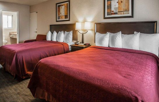 Suite Quality Inn and Suites Anaheim at the Pa