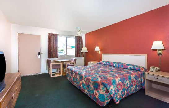 Zimmer TRAVELODGE SUITES MESA