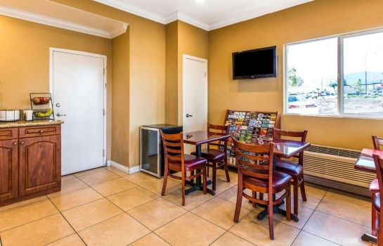 Restaurante RODEWAY INN AND SUITES CORONA